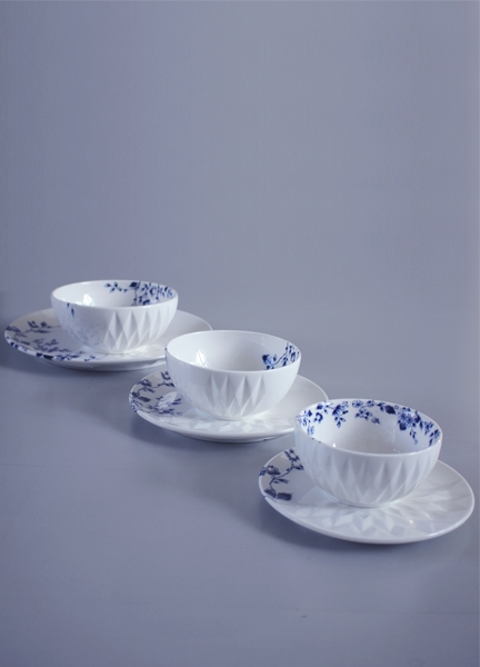 TABLE WARE 'BLAUW VOUW' (BLUE FOLD)