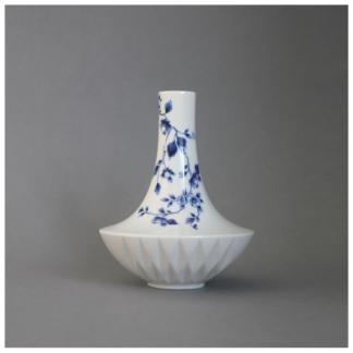 15. Small Vase nr. 1 'Blauw Vouw'