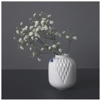 17. Small Vase nr. 3 'Blauw Vouw'